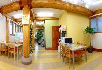 温かみのあるきれいなオフィスです!2階に社員の遊び場もあります!